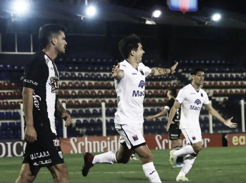 Lucas Blondel anotó el segundo gol de Tigre.