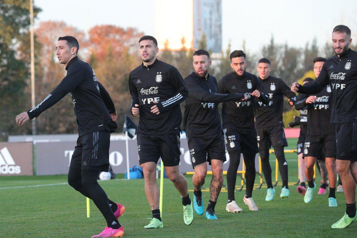 Lionel Scaloni perfila el equipo para el debut ante Chile
