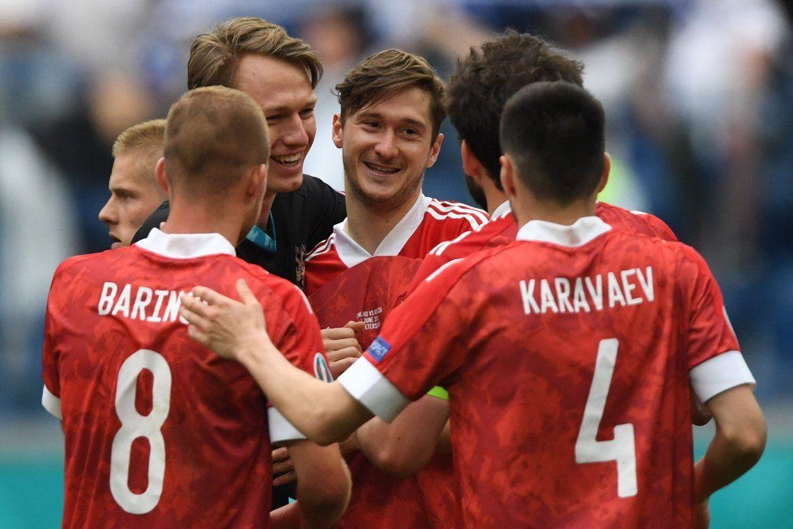Rusia derrotó a Finlandia y se metió en la pelea