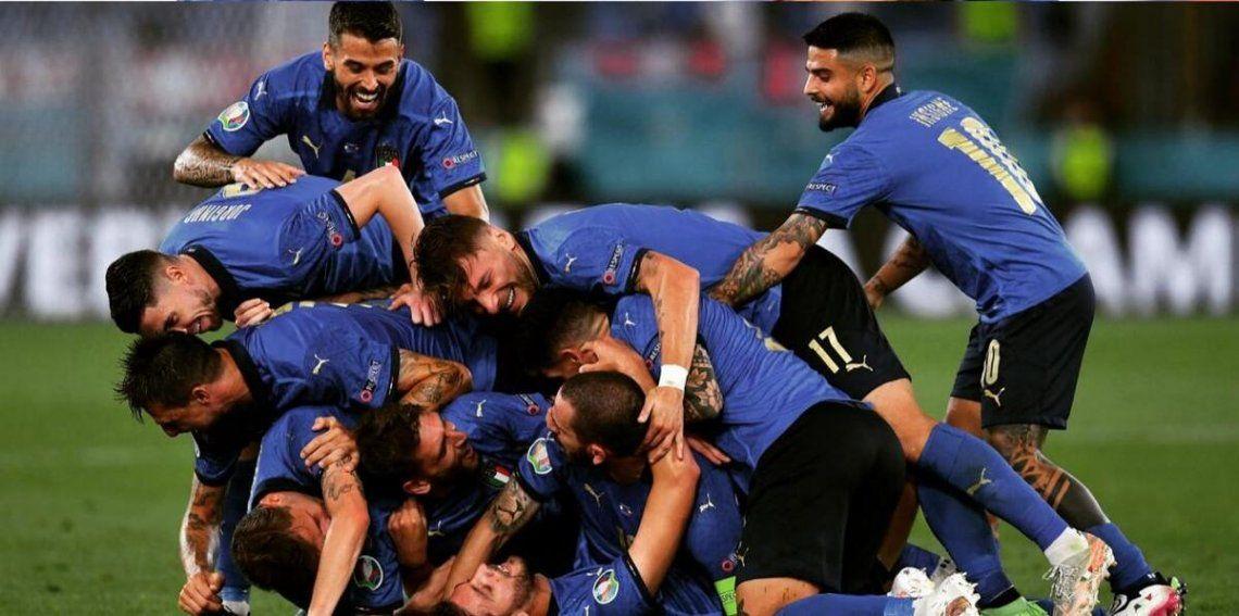 Italia venció 3-0 a Suiza en la fecha 2 de la Eurocopa.