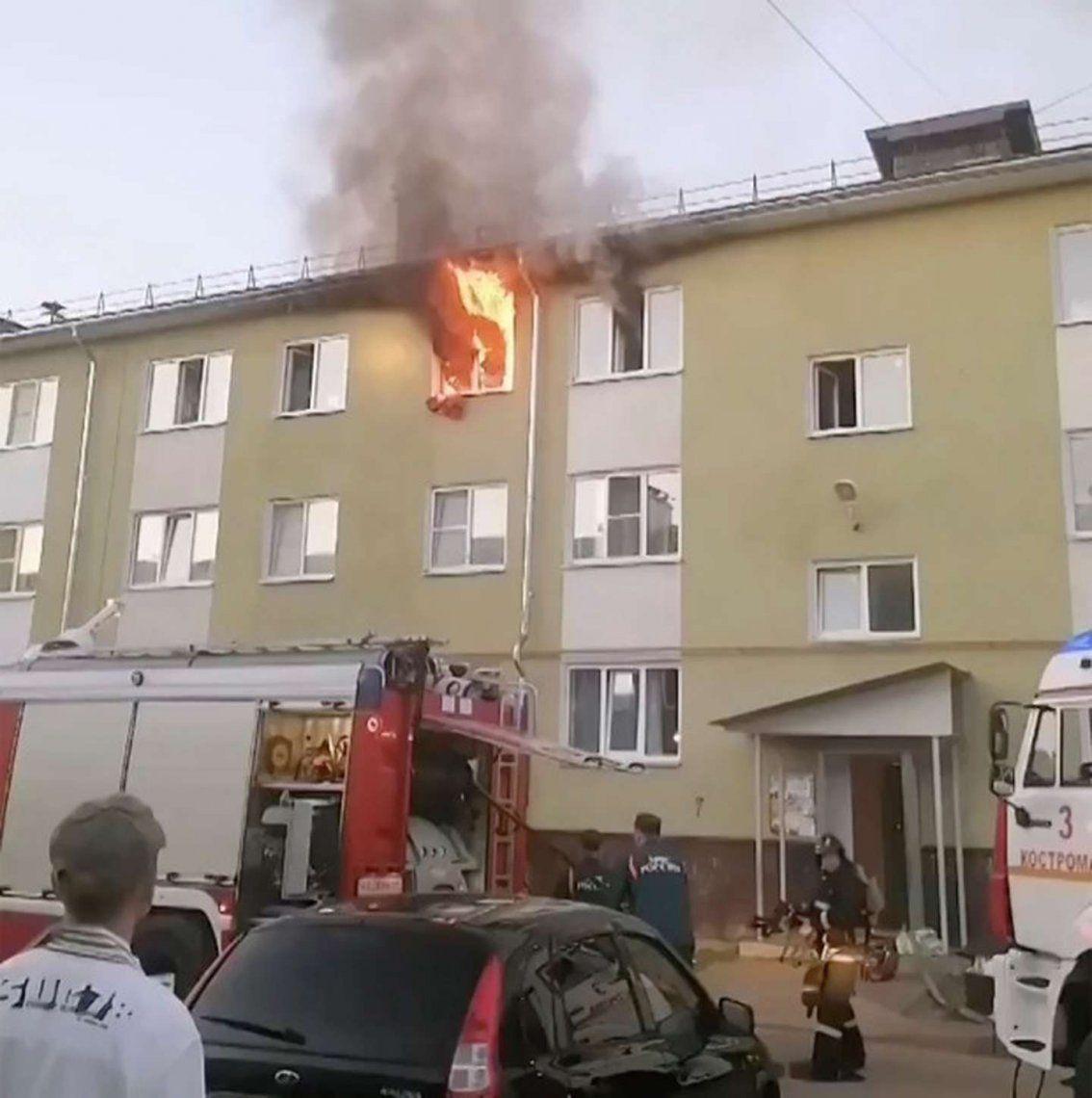 Rusia: tres niños, salvados de un incendio por los vecinos