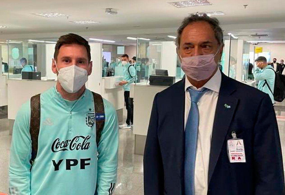 Daniel Scioli y Lionel Messi juntos en Brasil