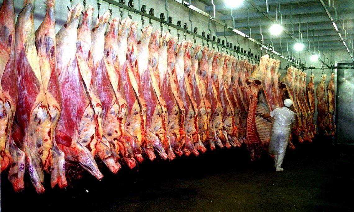 El Gobierno apuesta a equilibrar la oferta interna y externa de carne vacuna