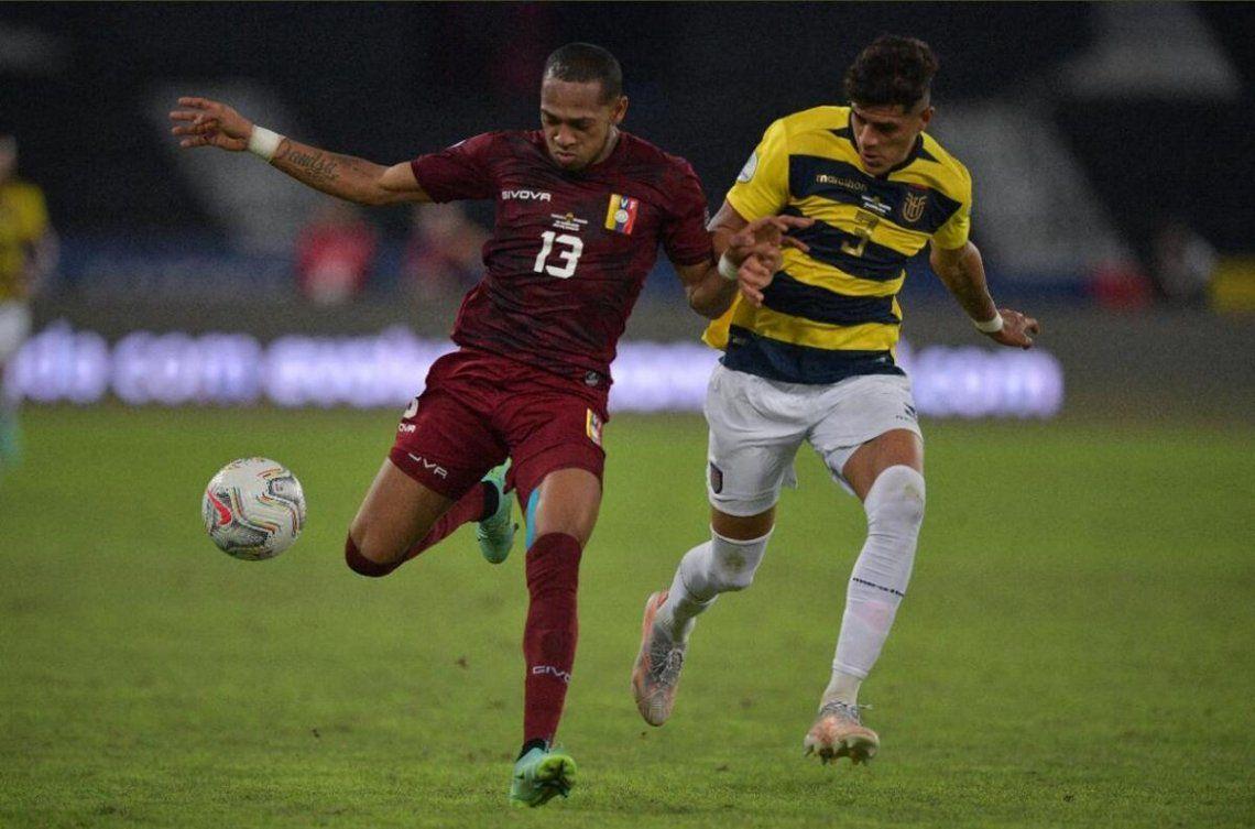 Venezuela y Ecuador empataron 2-2.