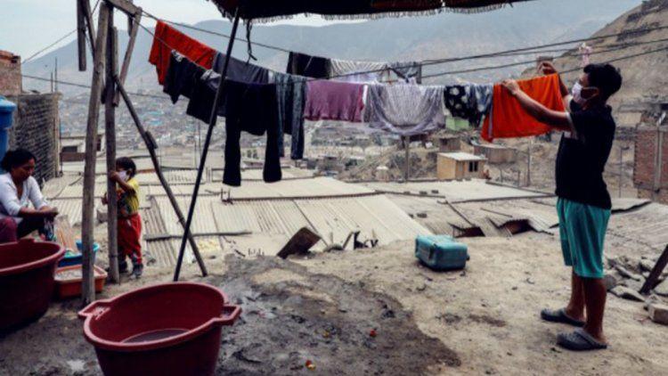 El informe también se detiene en la fragilidad de los sistemas de protección social de la región.