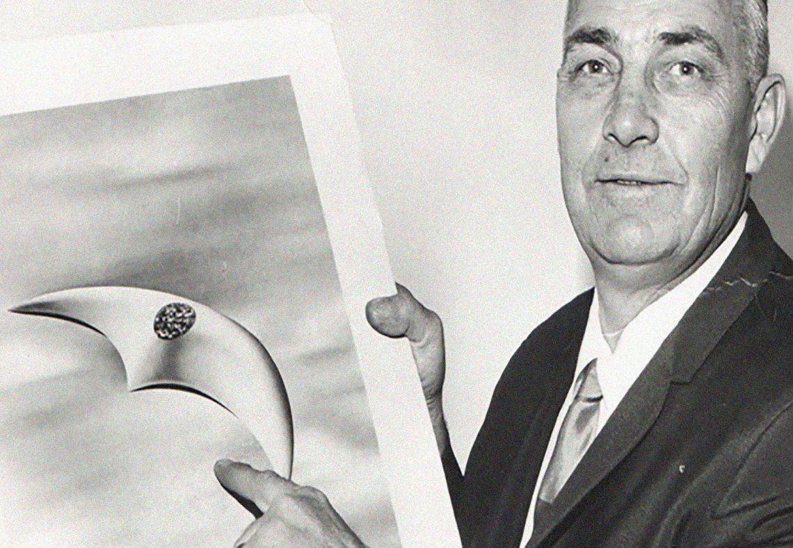 El aviador civil Kenneth Arnold fue el primero en avistar platos voladores