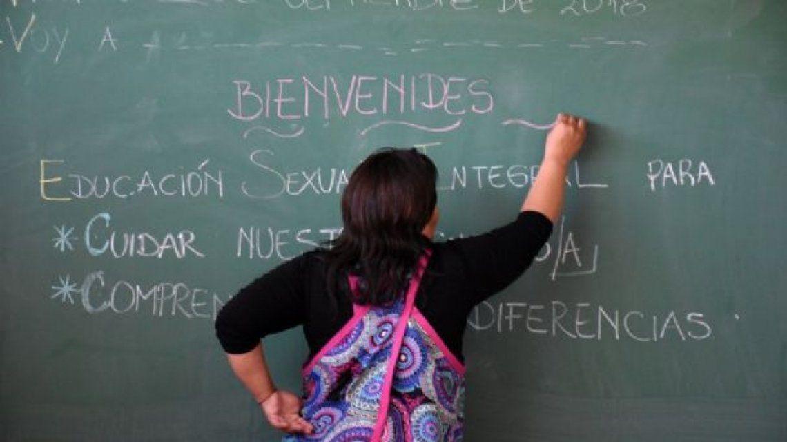"""La iniciativa apunta a evitar """"alteraciones gramaticales y fonéticas que desnaturalicen el lenguaje""""."""