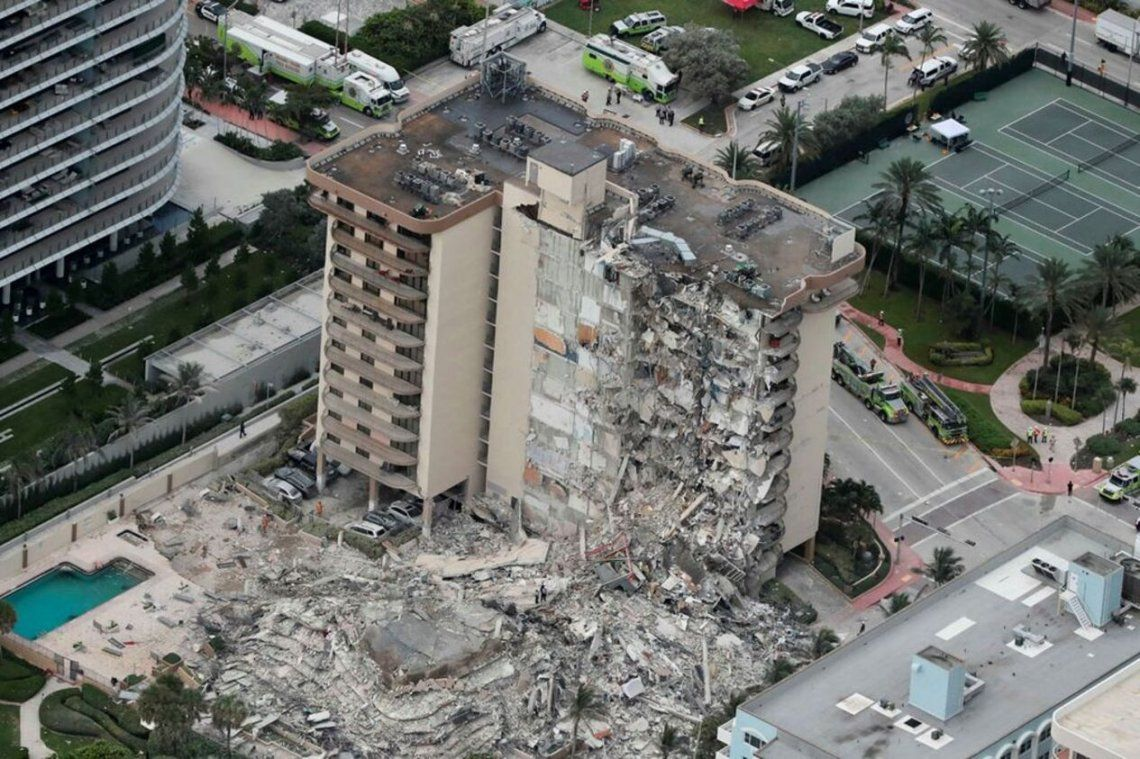 El edificio de la avenida Collins que se derrumbó en Miami