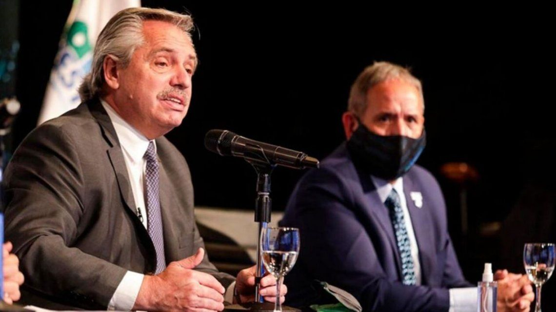 Alberto Fernández y Sergio Palazzo en el Congreso Nacional de La Bancaria