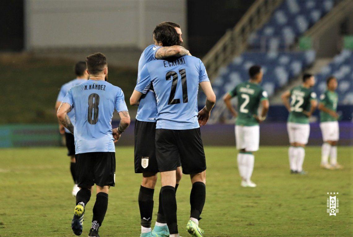 Cavani anotó su gol 52 en Uruguay.