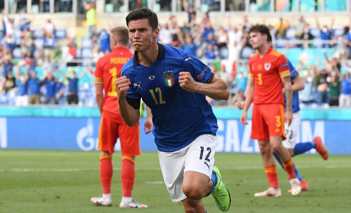 Matteo Pessina anotó el gol de Italia en el último partido.