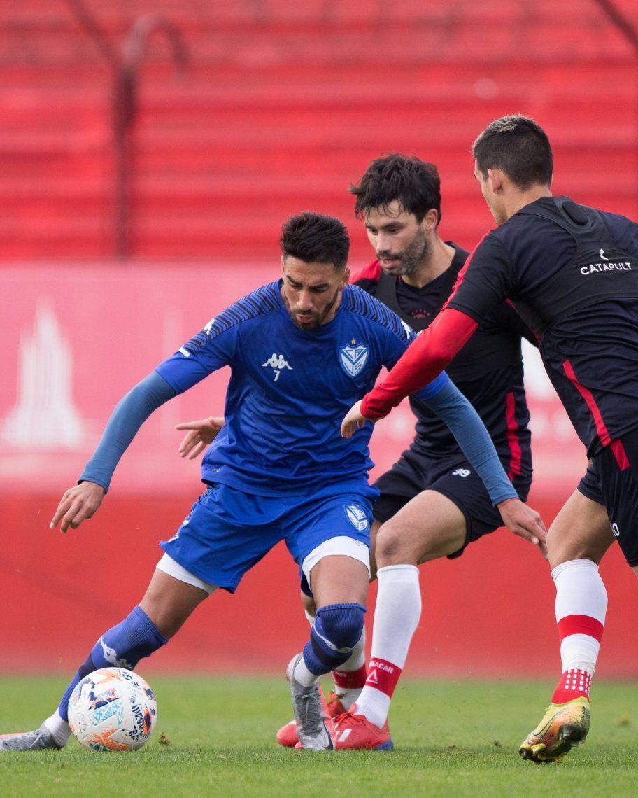 Vélez derrotó a Huracán 1-0 en Parque de los Patricios