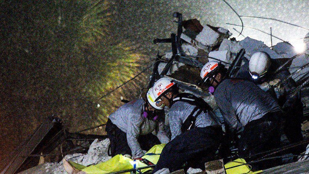 Hallaron un nuevo cuerpo entre los escombros del edificio que se derrumbó en Miami