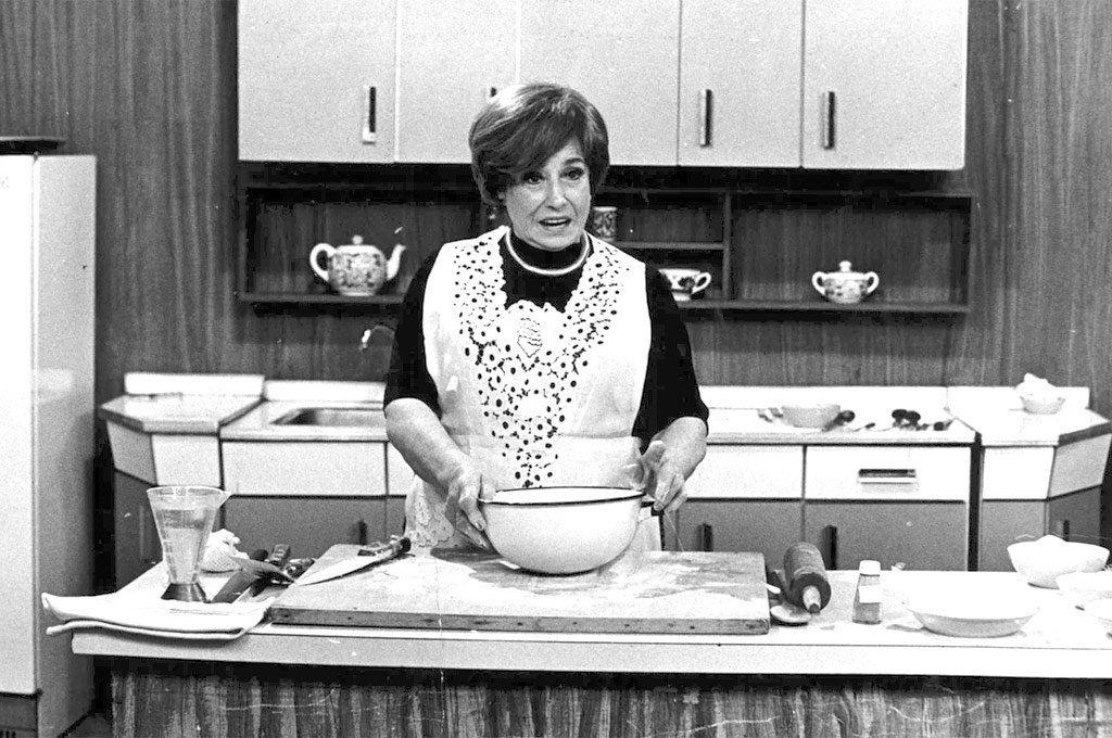 Doña Petrona C. de Gandulfo fue la ecónoma pionera en cocinar en la TV argentina.