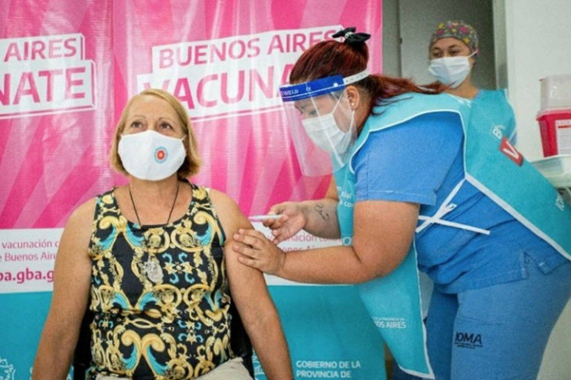 Las personas de los grupos priorizados podrán vacunarse libremente con la primera dosis en la provincia de Buenos Aires.