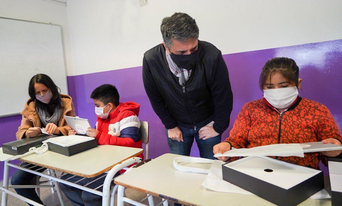 Vicente López presentó el programa de ayuda escolar Soy Parte Educando