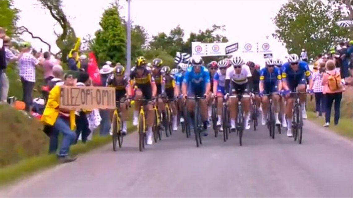 La muejr que desató el accidente del Tour de Francia está detenida.