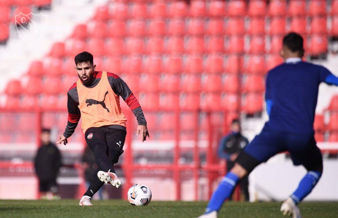 El Chino Romero marcó dos goles en el amistoso de Independiente.