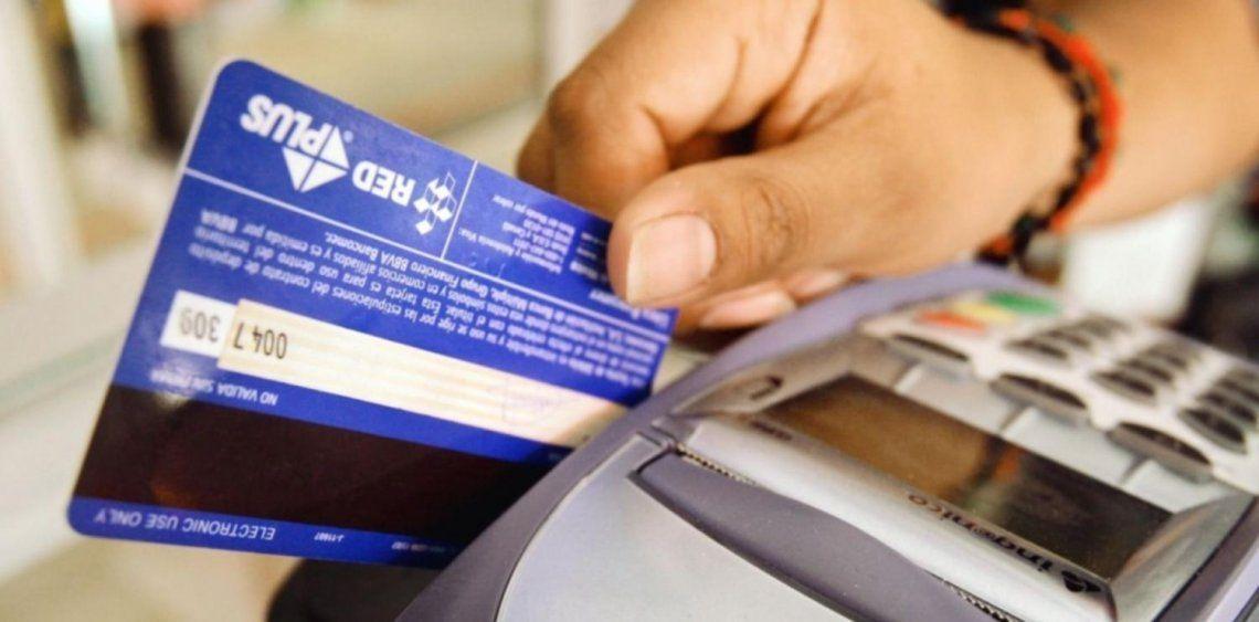 Pagos electrónicos: se triplicó la cantidad de comercios que cobran con tarjetas en Argentina
