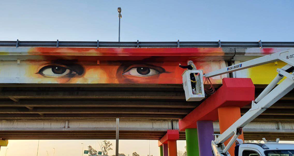 Pintaron el mural más grande de la provincia de Buenos Aires en homenaje a los héroes de la pandemia