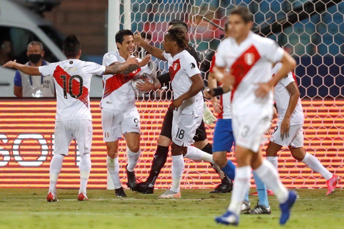 Perú se llevó la victoria en Goiânia.