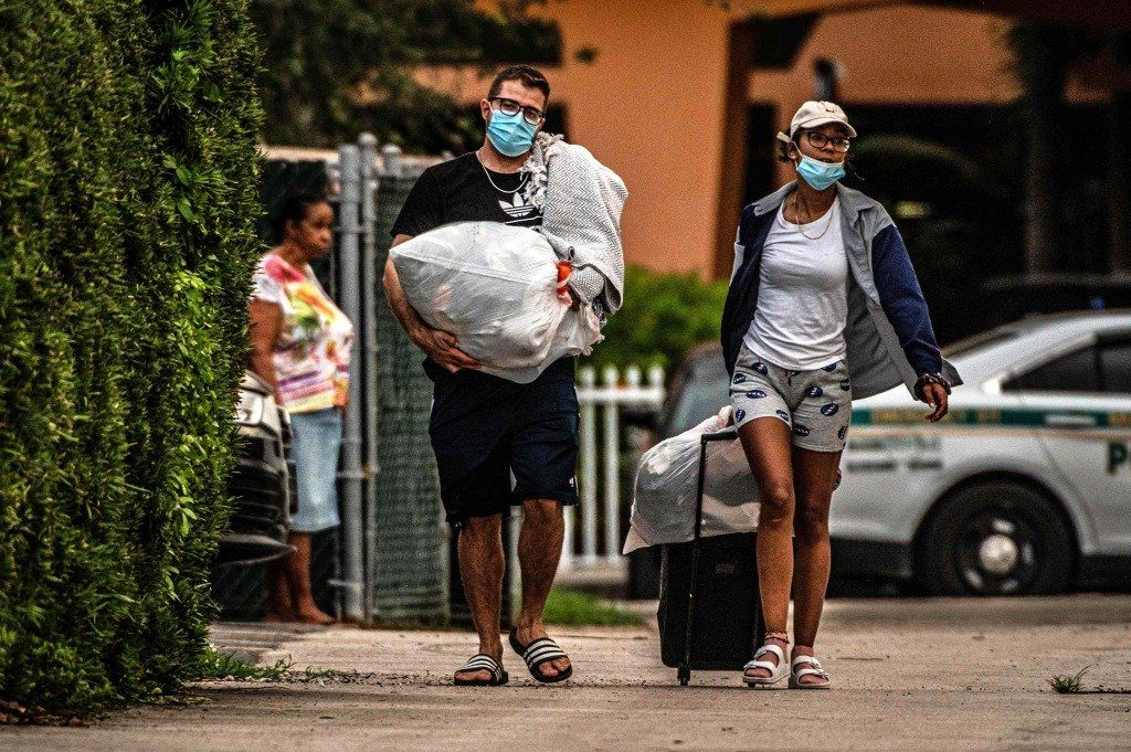 Evacúan otro edificio en Miami mientras sigue la búsqueda