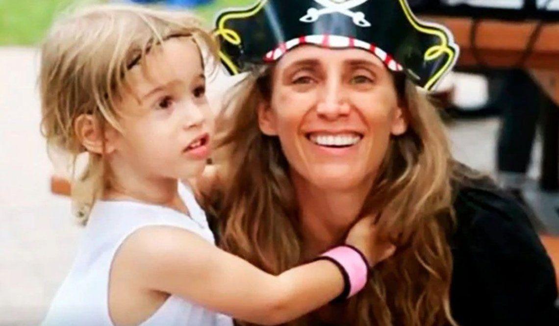Graciela Cattarossi y su hija. Los cuerpos de ambas fueron encontrados en las ruinas del edificio de Miami