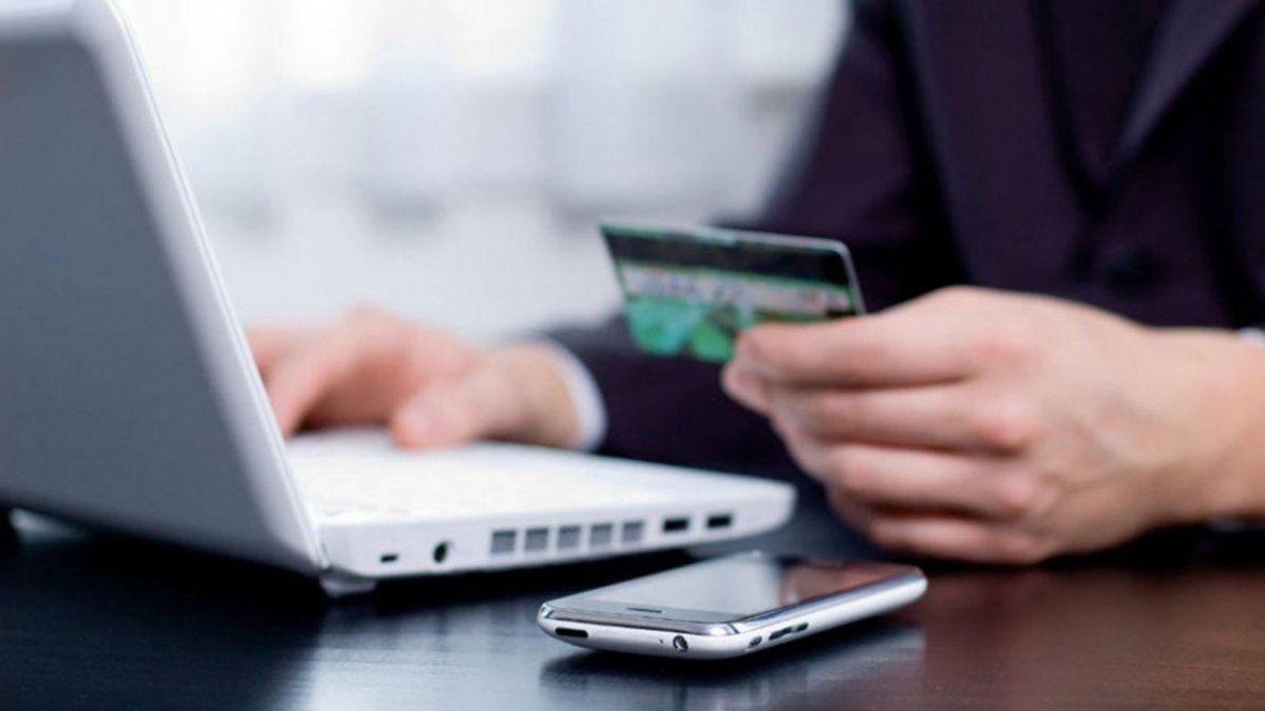 La mayoría se dan a través de mecanismos como el robo de claves de acceso a homebanking o de datos de tarjetas de crédito.