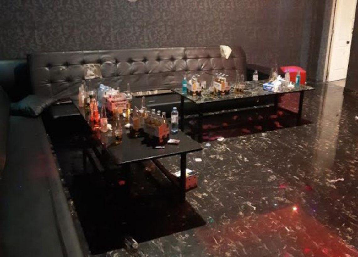 Dentro del local había 102 personas consumiendo bebidas alcohólicas sin cumplir el distanciamiento social