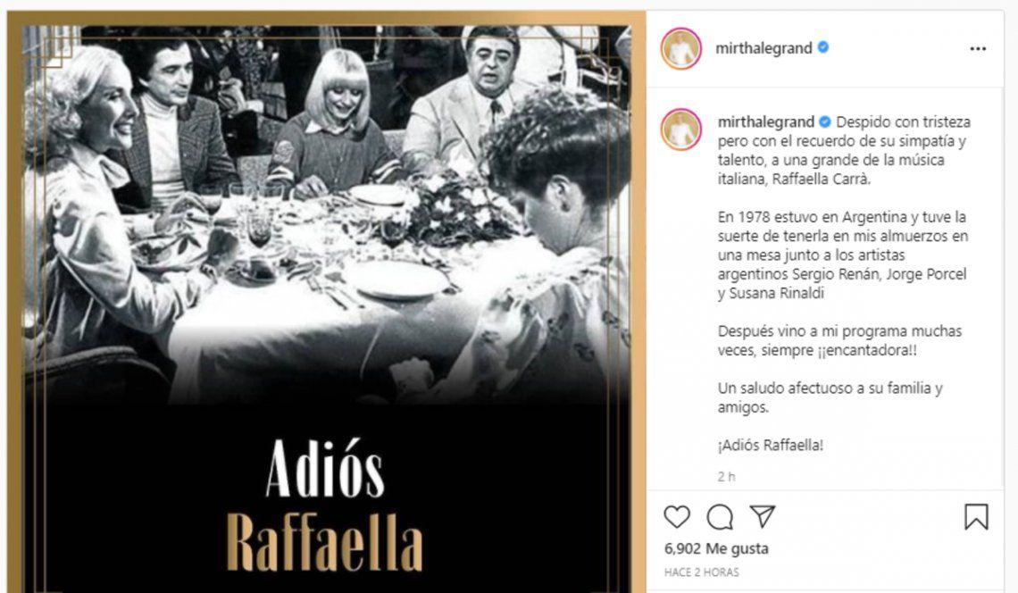 Mirtha Legrand recordó la participación de Raffaella Carrá en uno de sus almuerzos.