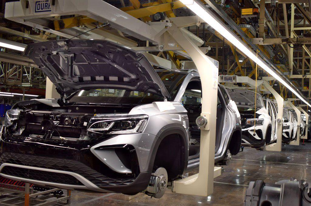Crece la producción y exportación de autos en el primer semestre