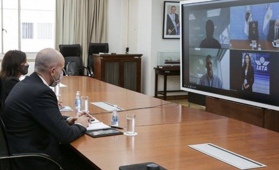 El encuentro virtual duró diez minutos.