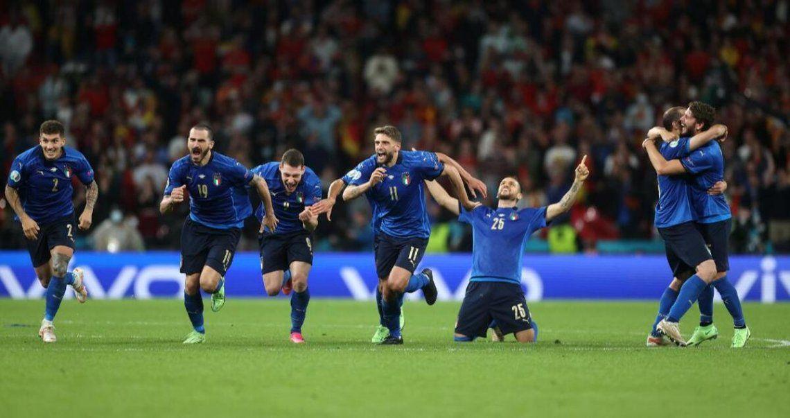 Italia es el primer finalista de la Eurocopa.
