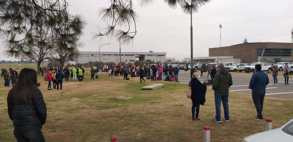 Las autoridades del Aeropuerto Internacional Islas Malvinas activaron los protocolos ante la amenaza.