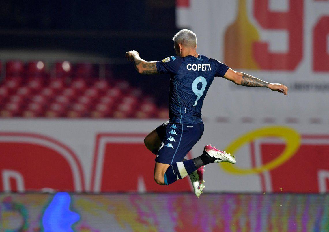 Enzo Copetti marcó el gol del empate de la Academia