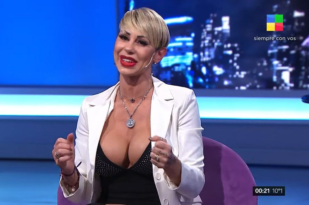 La uruguaya Mónica Farro contestó todas las preguntas de la Entrevista intrusa.