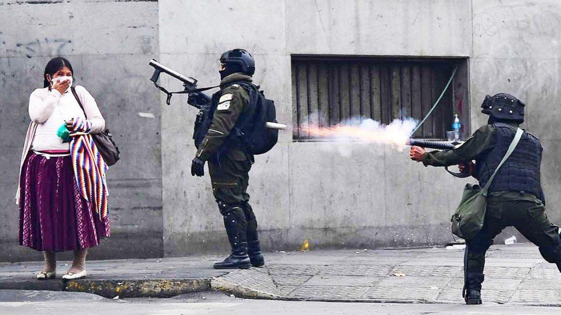 La revelación incrementa el escándalo por el supuesto tráfico de armas del macrismo al régimen que gobernó Bolivia durante un año.