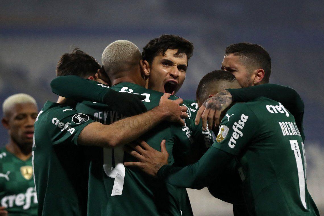Palmeiras se impuso en Chile y está a un paso de los cuartos de final