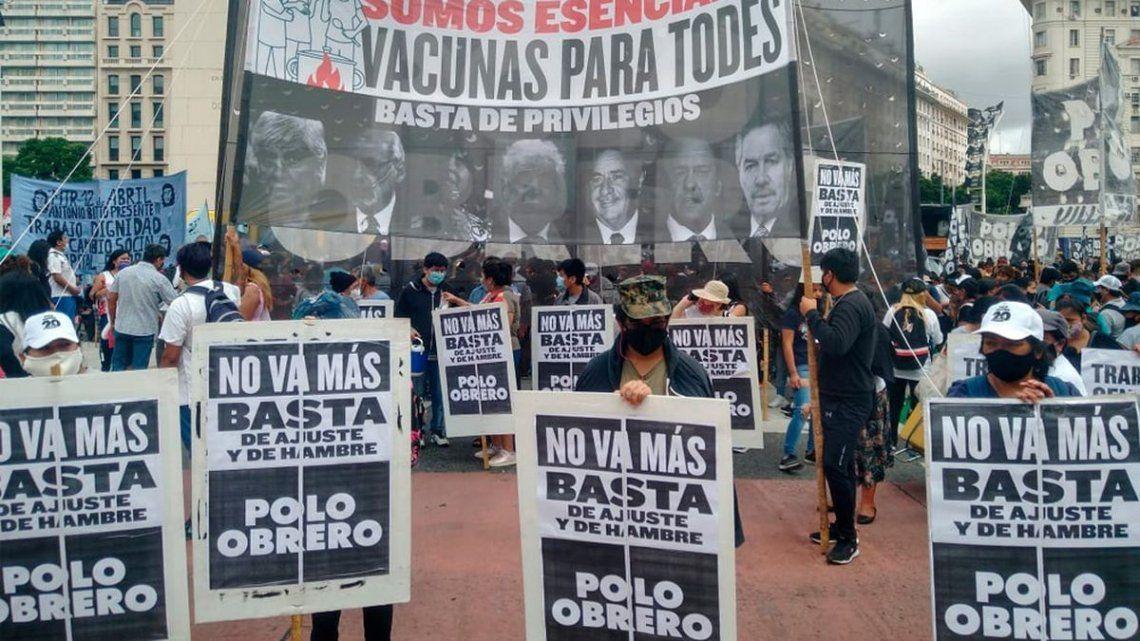 Manifestantes pertenecientes al Polo Obrero