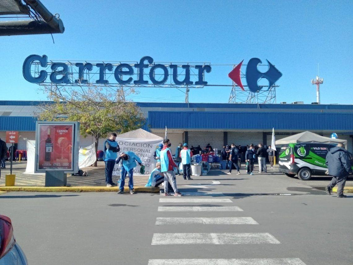 Carrefour de Vicente López bloqueado por protesta sindical