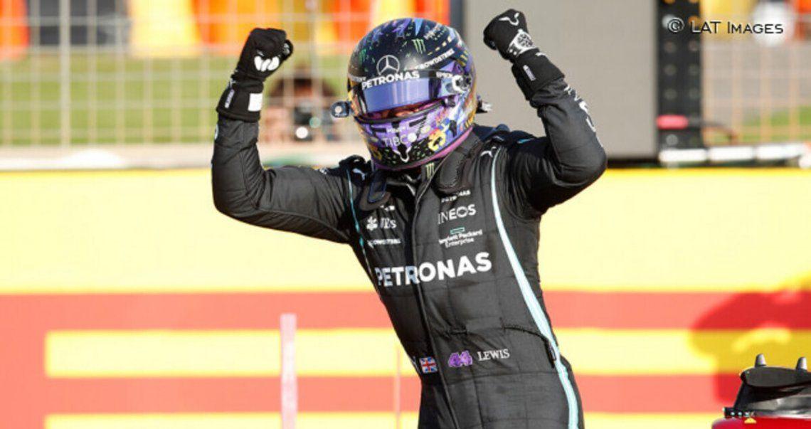 Lewis Hamilton festejó en el circuito de Silverstone.