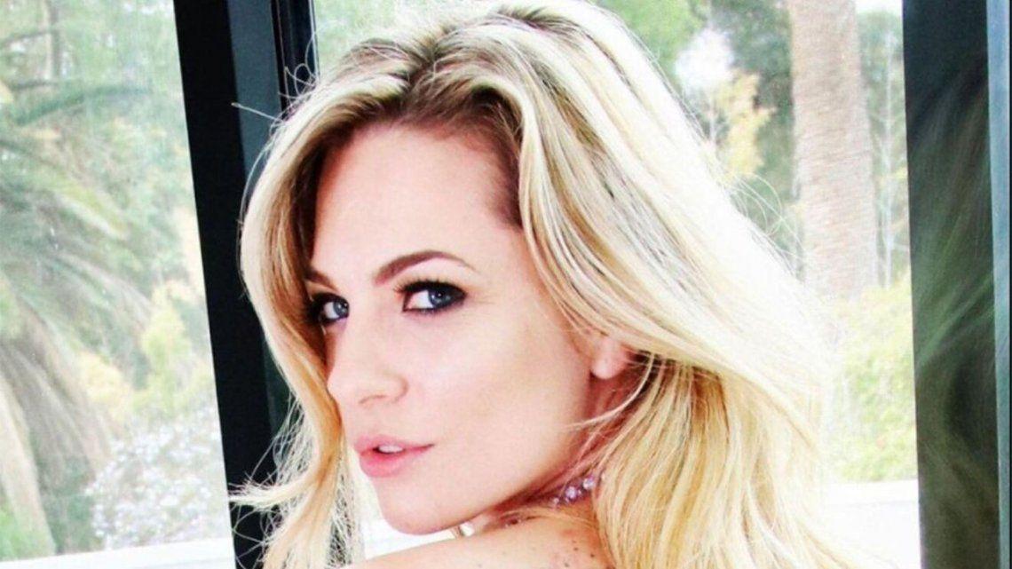La actriz porno Dahlia Sky fue encontrada muerta en su auto.