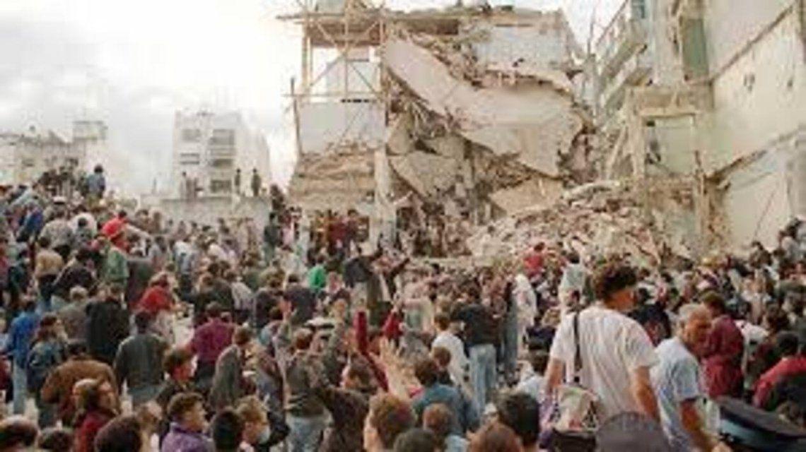 Hace 28 años que 85 víctimas del atentado a la AMIA esperan justicia - Foto de archivo 18/7/1994