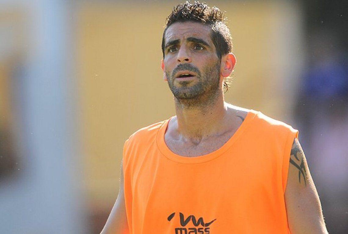 La Asociación Uruguaya de Fútbol (AUF) decidió suspender los partidos de hoy por la muerte de Williams Martínez.