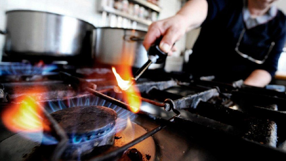La falta de pago de tres cuotas consecutivas o seis alternas habilitará al corte de suministro de gas.