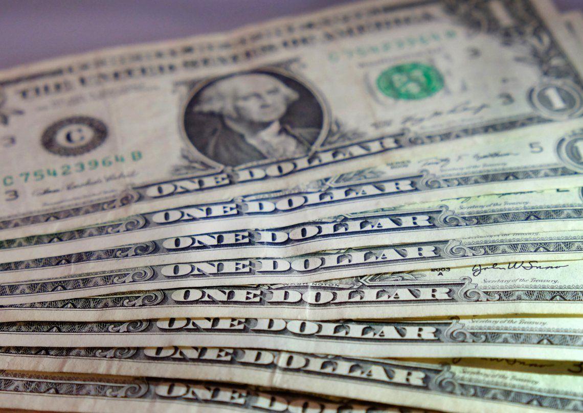 Bajó el dólar blue.