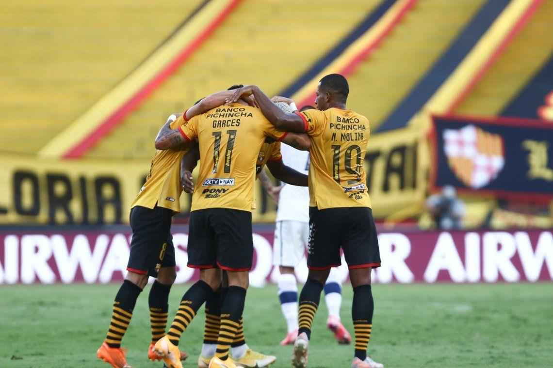 Barcelona de Ecuador eliminó a Vélez.
