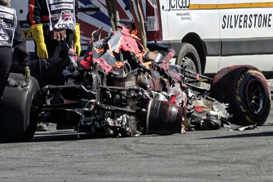 Red Bull confirmó que el auto de Verstappen no sirve más