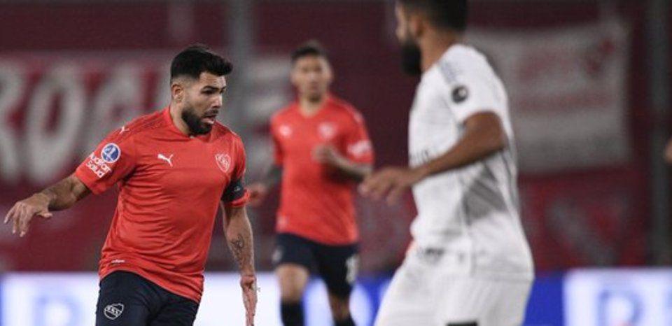 Silvio Romero no estuvo fino. Independiente quedó al margen.