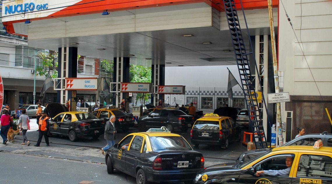 La mayoría de los taxistas utiliza GNC para abaratar costos y ya se quejan.